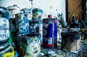 Colori nell'atelier di Alessandro. Foto di Ginevra D'Archi