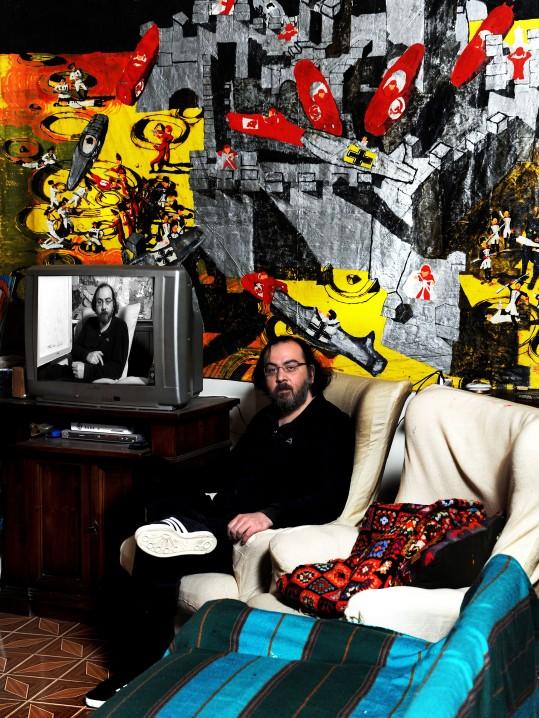 Alessandro Vignali nella sua casa. Foto di Sergio Coppi